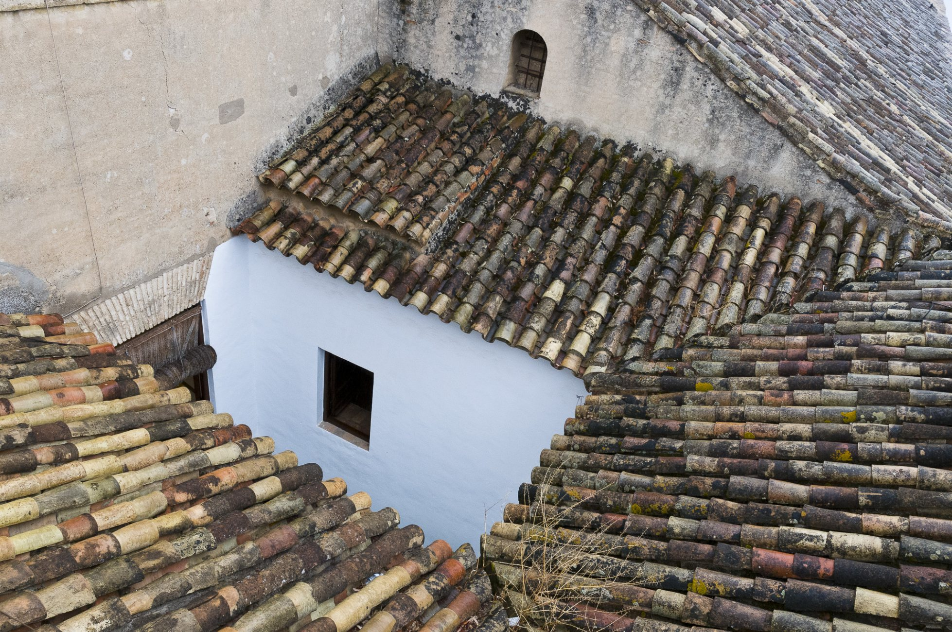 Hacia el fondo de los tejados